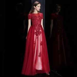 Elegant Burgundy See-through Evening Dresses  2020 A-Line / Princess Square Neckline Short Sleeve Appliques Lace Beading Floor-Length / Long Ruffle Formal Dresses