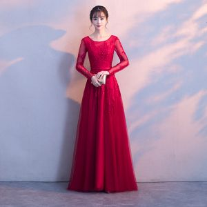 Chic / Beautiful Burgundy Evening Dresses  2017 A-Line / Princess Lace Appliques Scoop Neck Long Sleeve Floor-Length / Long Formal Dresses