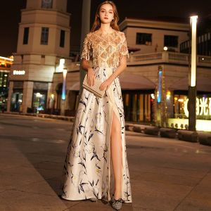 Elegante Gold Abendkleider 2019 A Linie Rundhalsausschnitt Perlenstickerei Pailletten Quaste Kurze Ärmel Gespaltete Front Drucken Lange Festliche Kleider
