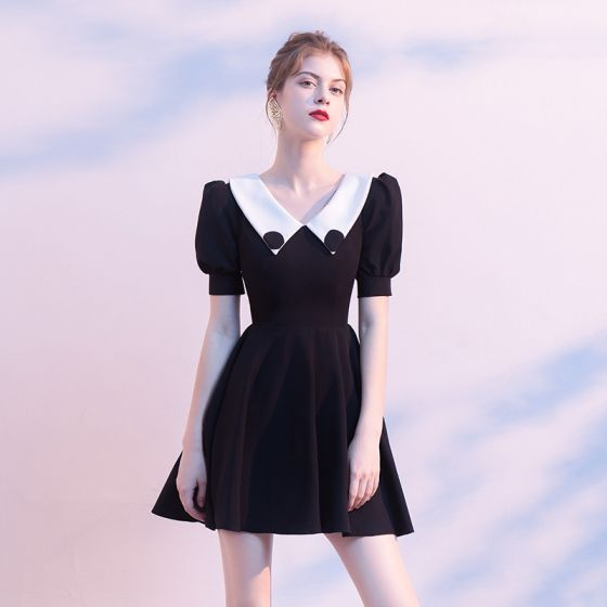 Modest / Simple Black Homecoming Graduation Dresses 2020 A-Line / Princess V-Neck Puffy Short Sleeve Short Ruffle Backless Little Black Dress