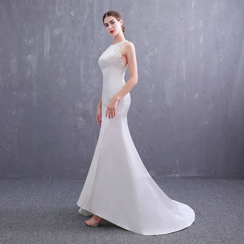 Affordable Ivory Satin Wedding Dresses 2019 Trumpet / Mermaid Scoop Neck Sleeveless Backless Appliques Lace Beading Pearl Sweep Train