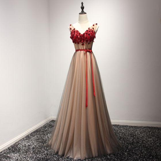 Chic / Belle Robe De Ceremonie 2017 Robe De Soirée Marron Princesse Longue V-Cou Sans Manches Dos Nu Ceinture En Dentelle Appliques Perlage