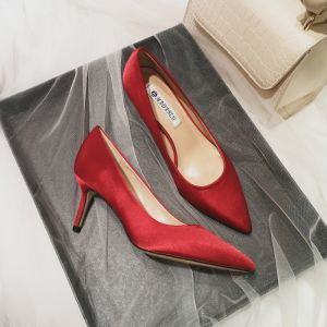 Modest / Simple Red Bridesmaid Pumps 2020 Satin 7 cm Stiletto Heels Pointed Toe Pumps