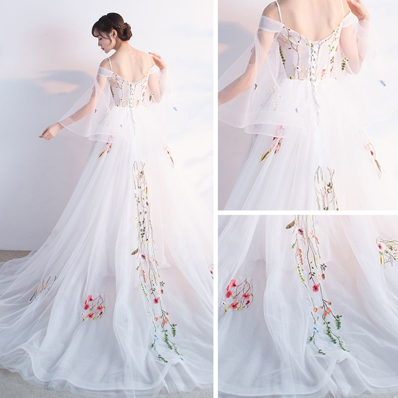 Amazing / Unique Hall Formal Dresses 2017 Prom Dresses White A-Line / Princess Cathedral Train Cascading Ruffles V-Neck Long Sleeve Backless Appliques Flower