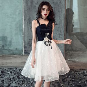 Modern / Fashion Black Homecoming Graduation Dresses 2019 A-Line / Princess Lace Appliques Star Shoulders Sleeveless Backless Knee-Length Formal Dresses
