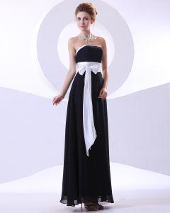 Charmantes Guillotine Robes De Demoiselle D'honneur De Longueur De Plancher Sans Bretelles En Mousseline De Soie