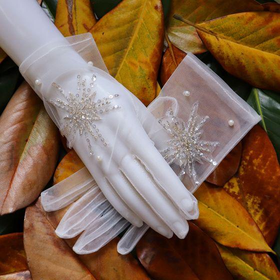 Czarujący Romantyczny Białe Rękawiczki Ślubne 2020 Tiulowe Frezowanie Kryształ Perła Rhinestone Bal Ślub Akcesoria