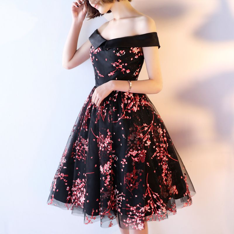 Chic / Beautiful Formal Dresses 2017 Evening Dresses  Black A-Line / Princess Knee-Length Backless Off-The-Shoulder Short Sleeve Sash Printing