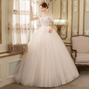Discount Ivory Wedding Dresses 2018 Ball Gown Off-The-Shoulder Short Sleeve Backless Appliques Lace Ruffle Floor-Length / Long