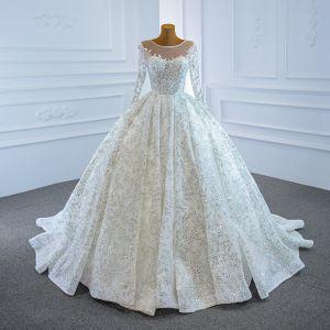 Luxus / Herrlich Weiß Hochzeits Brautkleider / Hochzeitskleider 2020 Ballkleid Durchsichtige Rundhalsausschnitt Lange Ärmel Perlenstickerei Pailletten Hof-Schleppe Rüschen