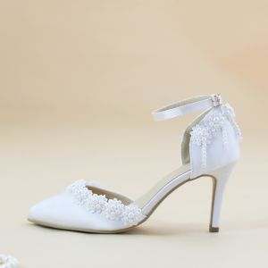 Modest / Simple White 8 cm Satin Wedding High Heels Beading Pearl Pointed Toe Wedding Shoes 2018