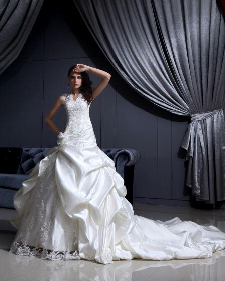 Satin Spets Parlstav Applikationer Rufsar V Neck Kapell Brud Balklänning Brudklänningar Bröllopsklänningar