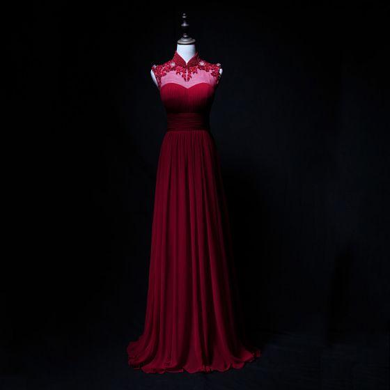 Vintage / Retro Burgundy Chiffon Evening Dresses  2019 A-Line / Princess See-through High Neck Sleeveless Appliques Lace Beading Floor-Length / Long Ruffle Backless Formal Dresses