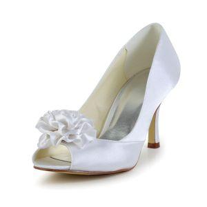 Classiques Chaussures De Mariée En Satin Blanc Peep Toe Escarpins Avec Des Fleurs À La Main