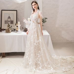 Chic / Beautiful Ivory Beach Wedding Dresses 2019 A-Line / Princess V-Neck Bow Lace Flower Sleeveless Backless Court Train