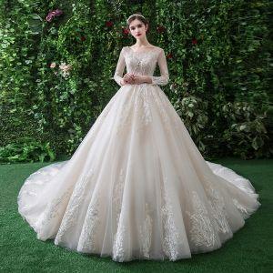 Chic Champagne Robe De Mariée 2019 Princesse Encolure Dégagée En Dentelle Fleur Manches Longues Dos Nu Royal Train