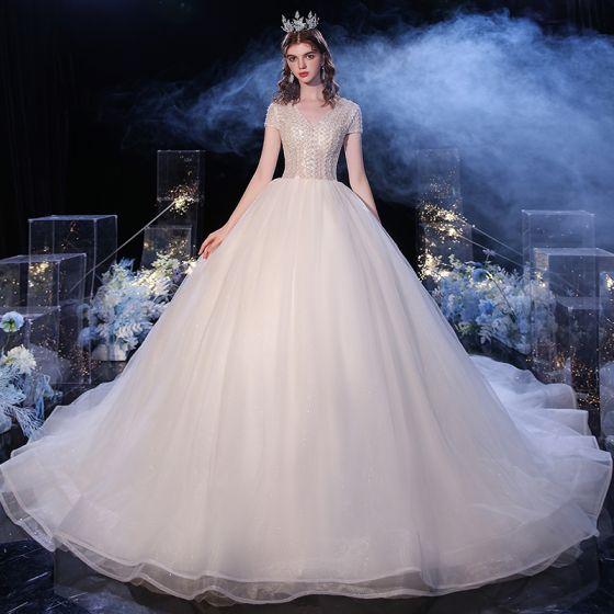 Moda Szampan ślubna Suknie Ślubne 2020 Suknia Balowa V-Szyja Kótkie Rękawy Frezowanie Perła Cekinami Tiulowe Trenem Katedra Wzburzyć