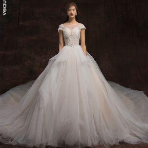 High-end Champagne Bröllopsklänningar 2020 Balklänning Urringning Beading Spets Blomma Holkärm Halterneck Cathedral Train