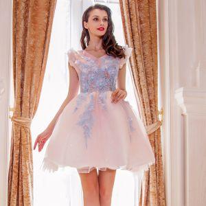 Moderne / Mode Perle Rose Robe De Cocktail 2019 Princesse V-Cou Sans Manches Appliques En Dentelle Glitter Tulle Courte Volants Dos Nu Robe De Ceremonie