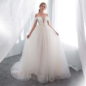 Mode Ivory / Creme Durchsichtige Brautkleider 2018 A Linie U-Ausschnitt Unique Kurze Ärmel Rückenfreies Perle Feder Hof-Schleppe Rüschen