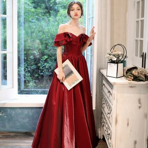 Chic / Beautiful Red Velour Evening Dresses  2020 A-Line / Princess Off-The-Shoulder Short Sleeve Floor-Length / Long Ruffle Backless Formal Dresses