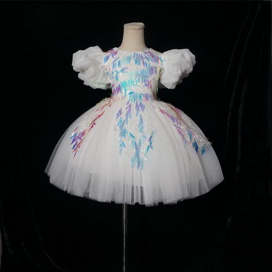 Schöne Weiß Geburtstag Blumenmädchenkleider 2020 Ballkleid Rundhalsausschnitt Geschwollenes Kurze Ärmel Applikationen Pailletten Kurze Rüschen Kleider Für Hochzeit