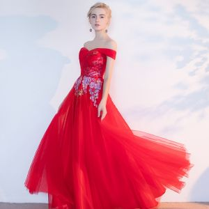 Chic / Beautiful Red Evening Dresses  2017 A-Line / Princess Appliques Beading Backless Crossed Straps Off-The-Shoulder Sleeveless Floor-Length / Long Evening Party