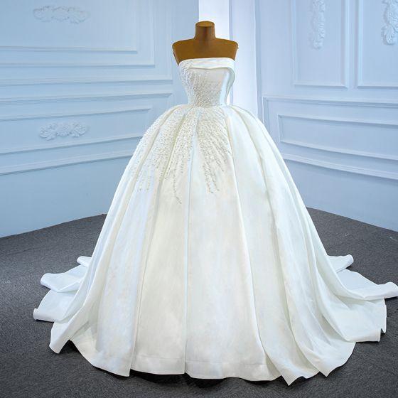 Luxury / Gorgeous White Satin Bridal Wedding Dresses 2020 Ball Gown Strapless Sleeveless Backless Handmade  Beading Pearl Chapel Train Ruffle