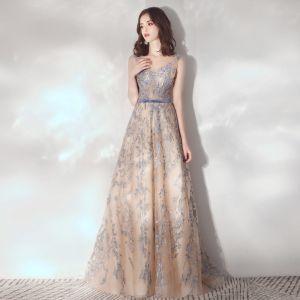 Eleganckie Szampan Sukienki Wieczorowe 2020 Princessa Przezroczyste Wycięciem Bez Rękawów Szarfa Aplikacje Z Koronki Cekiny Trenem Sweep Wzburzyć Bez Pleców Sukienki Wizytowe