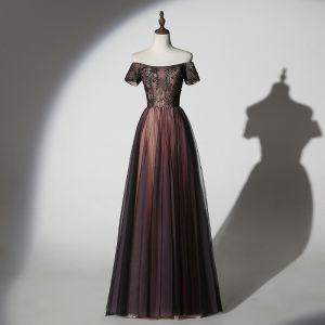 Piękne Czekolada Sukienki Wieczorowe 2019 Princessa Przy Ramieniu Frezowanie Z Koronki Cekiny Kótkie Rękawy Bez Pleców Długie Sukienki Wizytowe