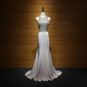 Błyszczące Sukienki Wizytowe 2017 Sukienki Wieczorowe Srebrny Syrena / Rozkloszowane Trenem Sweep Wycięciem Bez Rękawów Bez Pleców Kryształ Cekiny Frezowanie Rhinestone