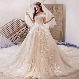 Meilleur Champagne Robe De Mariée 2019 Princesse De l'épaule Manches Courtes Dos Nu Appliques En Dentelle Perlage Royal Train Volants