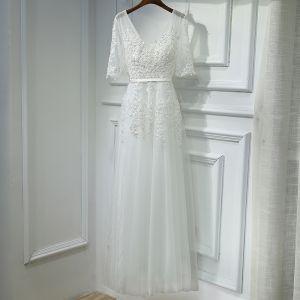 Eenvoudige Witte Jurken Voor Bruiloft 2017 Kant Bloem Parel Pailletten U-hals 1/2 Mouwen Knielengte Imperium Bruidsmeisjes Jurken