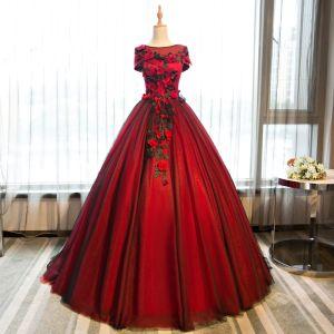 Chic / Belle Bordeaux Robe De Bal 2017 Robe Boule Papillon Appliques Fleurs Artificielles Encolure Dégagée Dos Nu Manches Courtes Longue Robe De Ceremonie