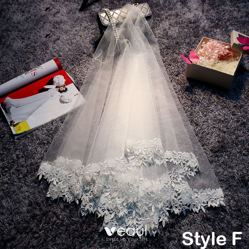 Affordable 2017 Red White Lace Appliques Tulle Wedding Veils