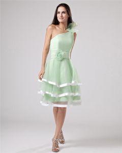 Organza Rüschen Applique Ein Schultergurt Knielangen Kleid Abschlussfeier