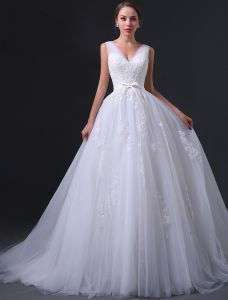 2015 A-line Shoulders V-neck Appliques Lace Bow Sash Organza Wedding Dress