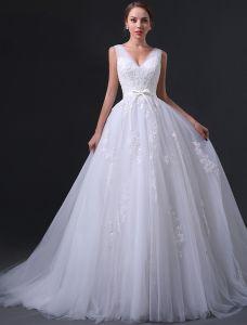 2015 A-line Shoulders V-neck Appliques Lace Bow Sash Organza Wedding Dress