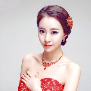 Red Rhinestone Flower The Bridal Headpiece / Earring / Necklace Three-piece