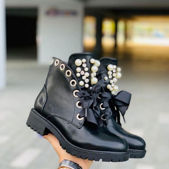 Fashion Black Street Wear Ankle Womens Boots 2020 Pearl Round Toe Flat Boots