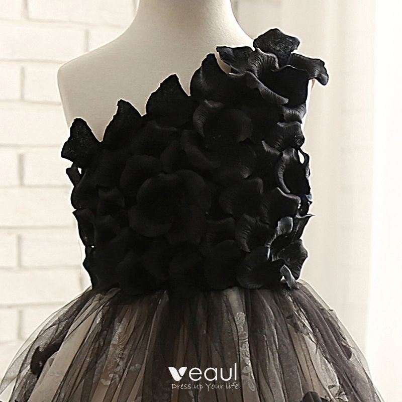 Amazing / Unique Hall Wedding Party Dresses 2017 Flower Girl Dresses Black Champagne Ball Gown Chapel Train One-Shoulder Sleeveless Flower Appliques Artificial Flowers