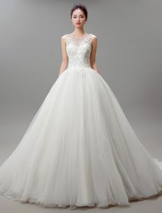 Ball Gown Scoop Neckline Applique Lace Ivory Organza Wedding Dress With Beading