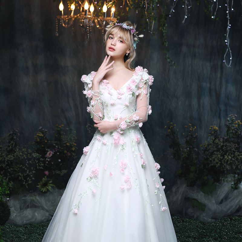 Amazing / Unique Outdoor / Garden Wedding Dresses 2017 Floor-Length / Long White A-Line / Princess V-Neck Long Sleeve Backless Lace Appliques Flower