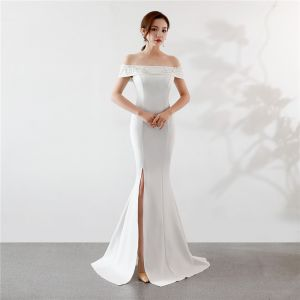 Chic / Beautiful Solid Color Ivory Evening Dresses  2019 Trumpet / Mermaid Off-The-Shoulder Rhinestone Lace Flower Short Sleeve Backless Split Front Floor-Length / Long Formal Dresses