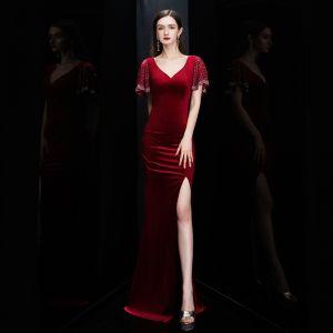 Affordable Burgundy Suede Evening Dresses  2020 Trumpet / Mermaid Deep V-Neck Short Sleeve Split Front Floor-Length / Long Ruffle Backless Formal Dresses