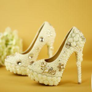 Charming White Wedding Shoes 2019 Pearl Rhinestone Flower 14 cm Stiletto Heels Round Toe Wedding Pumps
