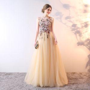 Elegante Champagner Abendkleider 2019 A Linie Rundhalsausschnitt Kristall Perle Spitze Blumen Ärmellos Sweep / Pinsel Zug Festliche Kleider