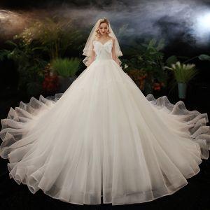 Schlicht Ivory / Creme Hochzeits Brautkleider / Hochzeitskleider 2020 Ballkleid Herz-Ausschnitt Schleife Ärmellos Rückenfreies Kathedrale Schleppe