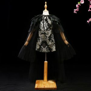 Unique Noire Doré 2 Pièces Robe Ceremonie Fille 2017 Glitter Fleur Plumes Encolure Dégagée Sans Manches Courte Robe Pour Mariage