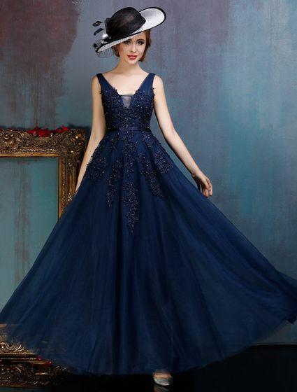 Glamorösa Backless Mörkblå Balklänningar Applikationer Spets Festklänning Med Paljetter